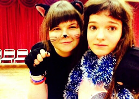 Стенькина Екатерина (справа). Выезд на выходные осень - зима 2013
