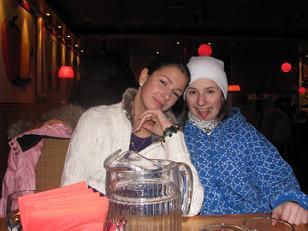 Весенние каникулы. Галя Попенко (слева)